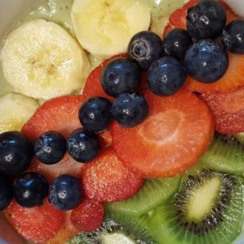 Shawna Clapper - Healthy Vegan Green Smoothie Bowl